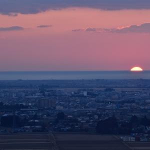 仙台市を照らし始める朝日